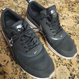 Nike Airmax Thea 7.5 Black Lightly Used